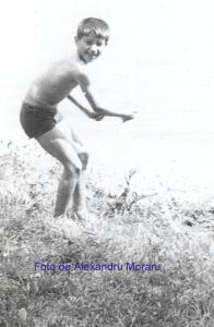 Fiul meu Traian Moraru la pescuit cu undiţa